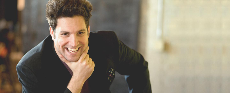 Comedian magician - David Harris